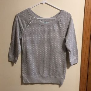 Maurices 3/4 sleeve gray polka dot sweatshirt